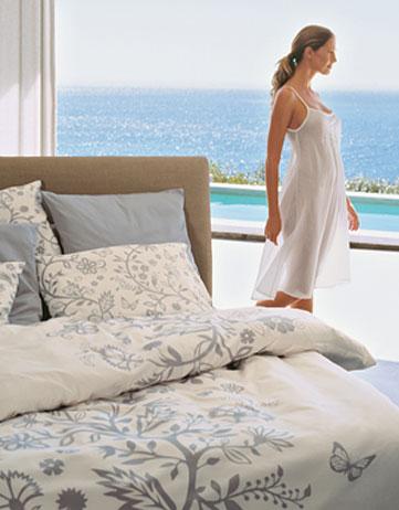 christian fischbacher schlafen sie gut mit christian. Black Bedroom Furniture Sets. Home Design Ideas
