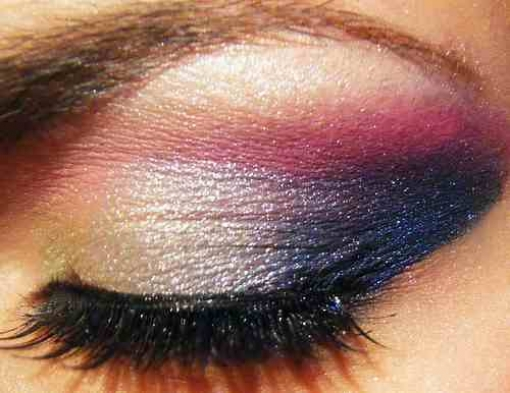 http://www.shopgenau.de/upload/preview_pics/4/2650/510/Augen%20Make%20up,%20xtina5645.jpg